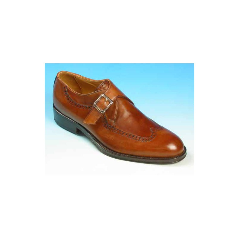 Men's elegant shoe with buckle and wingtip decoratins in tan brown leather - Available sizes:  36, 37, 38, 39, 40, 41, 42, 43, 44, 48, 49, 50, 52, 53, 54
