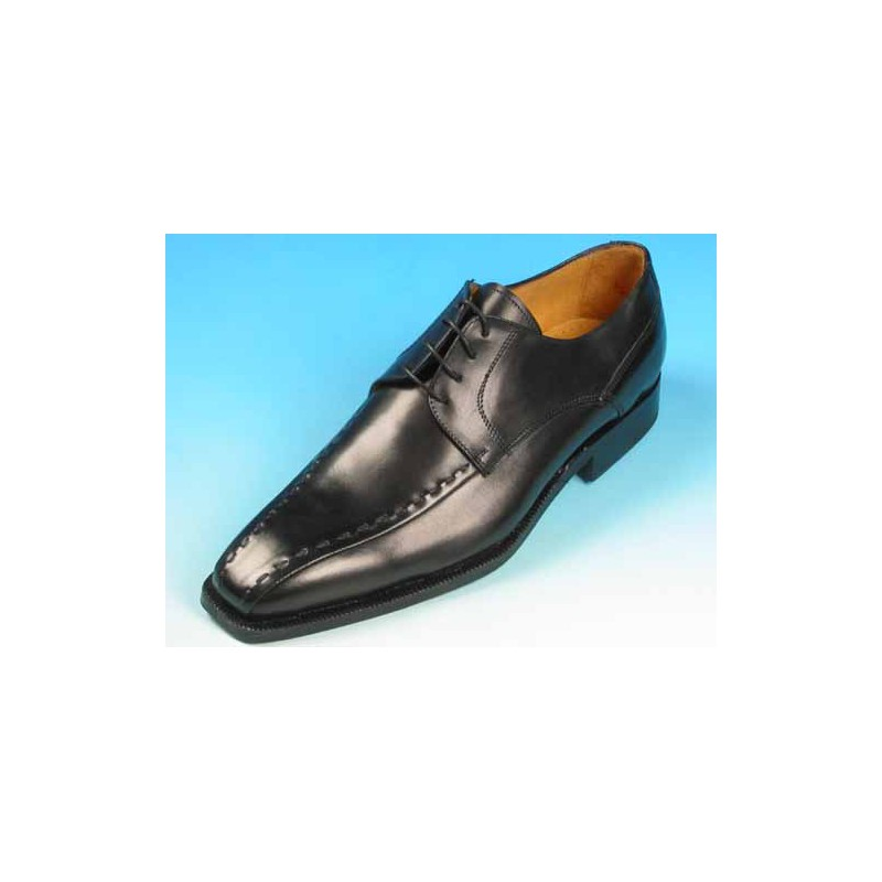 Men's laced derby shoe with stiches in black leather - Available sizes:  54