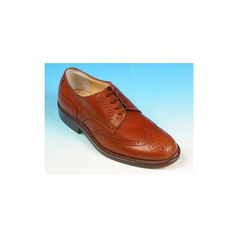 Men's laced shoe with Brogue decorations in tan colored leather - Available sizes:  39, 41, 42, 44, 45