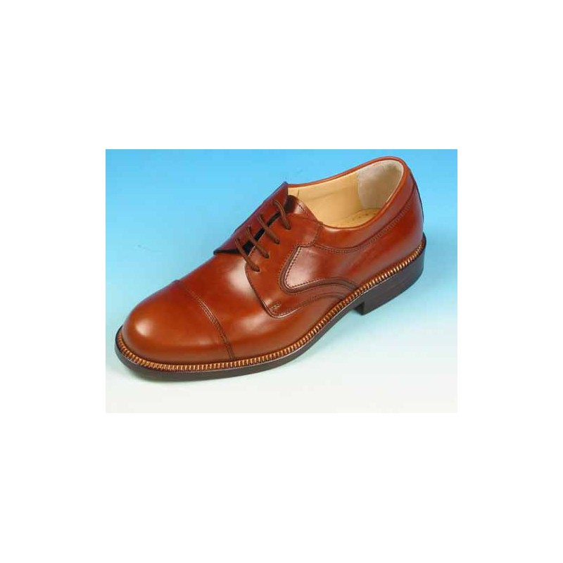 Men's derby laced shoe with captoe in tan leather - Available sizes:  39, 41, 42, 44, 45