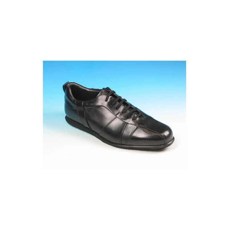 Men's laced sports shoe in black leather - Available sizes:  41