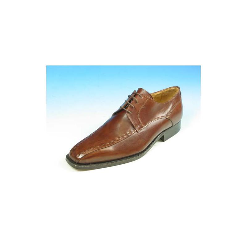 Klassischer Herrenderbyschuh mit Schnürsenkeln aus braunem Leder - Verfügbare Größen:  44, 52, 53, 54