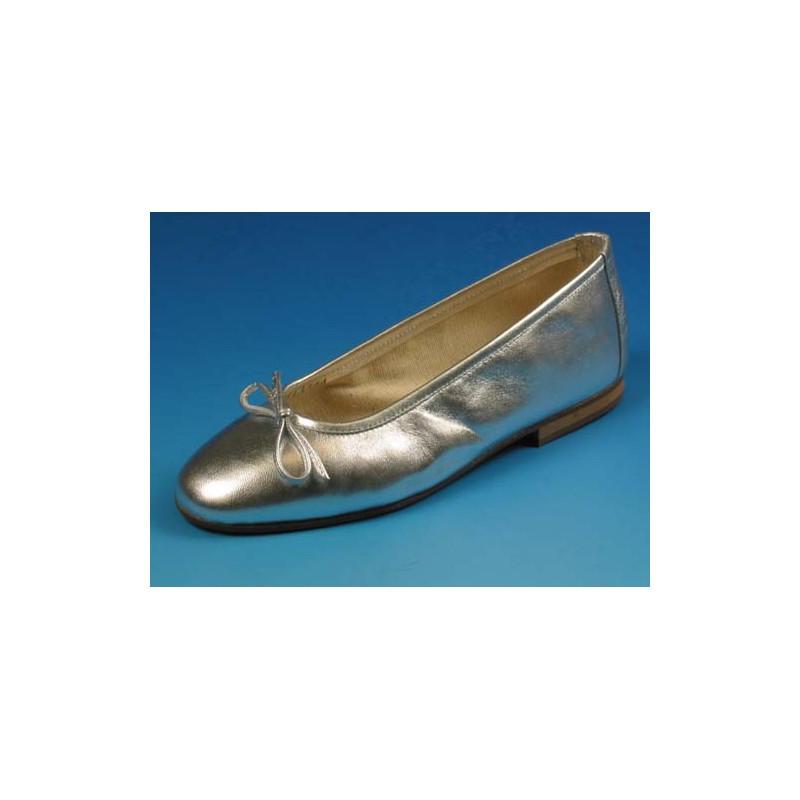 Bailarina para mujer con moño en piel color plateado tacon 1 - Tallas disponibles:  32