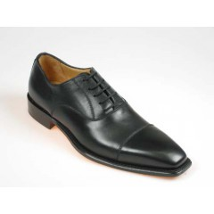 Men's laced oxford shoe with captoe in black leather - Available sizes:  40