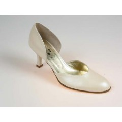 Woman's open shoe in pearly ivory leather heel 7 - Available sizes:  32, 46