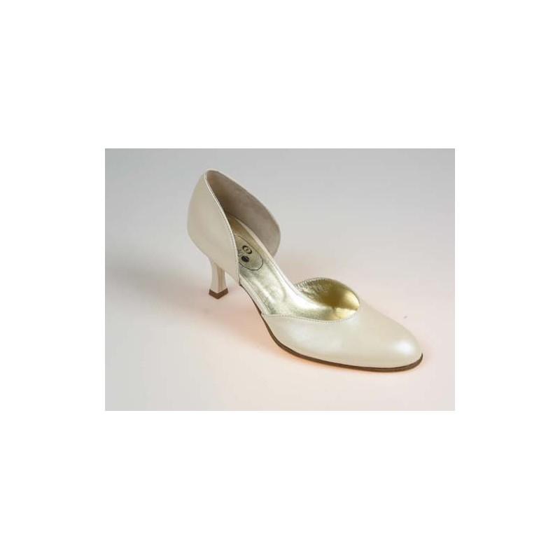 Escarpin ouvert pour femmes en cuir ivoire perlé talon 7 - Pointures disponibles:  32, 46