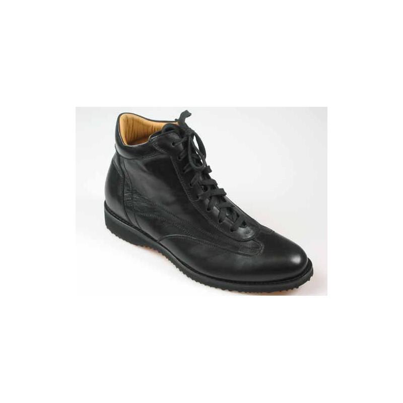 Herrenstiefelette mit Schnürsenkeln aus schwarzem Leder - Verfügbare Größen:  45
