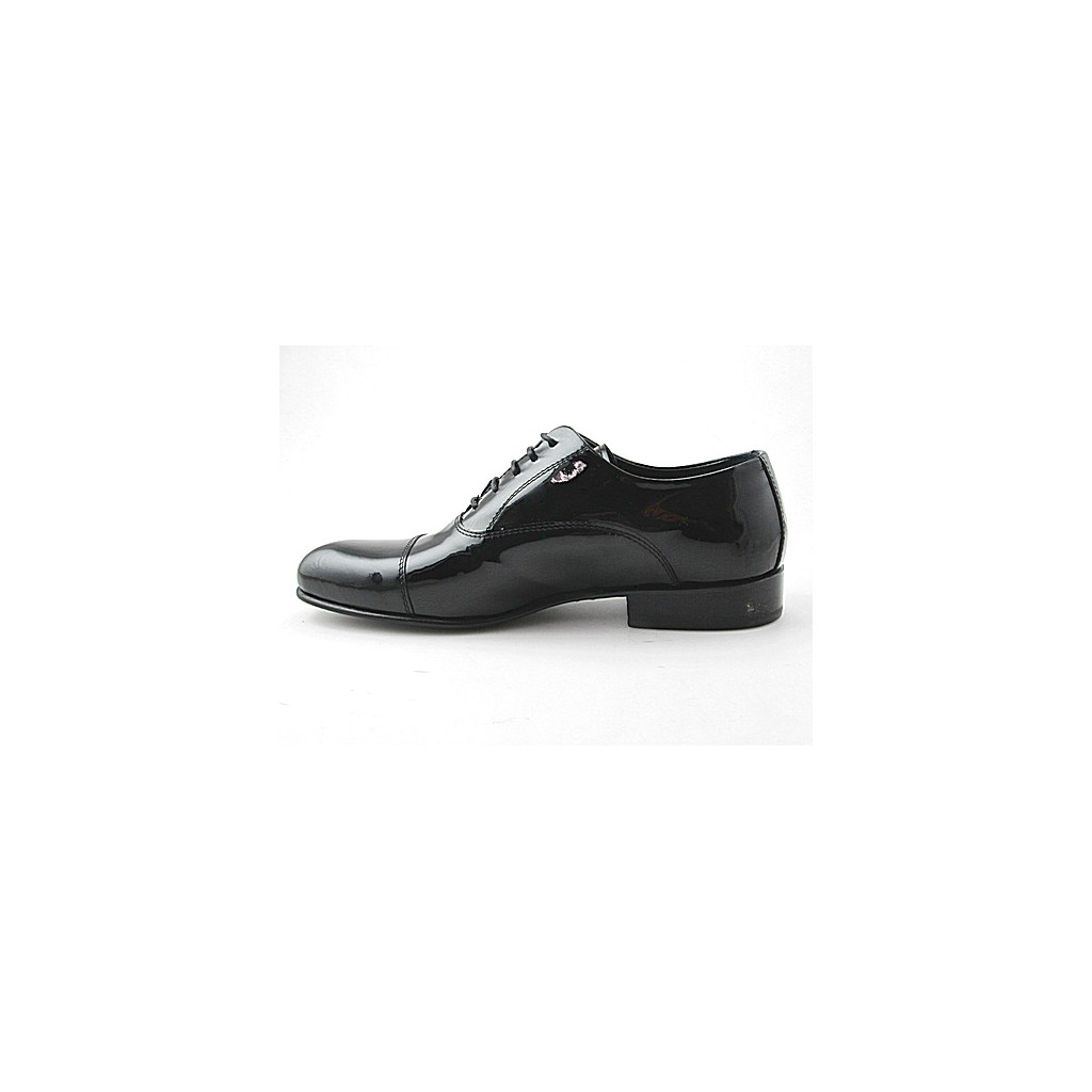small or large lace up shoe in black patent leather
