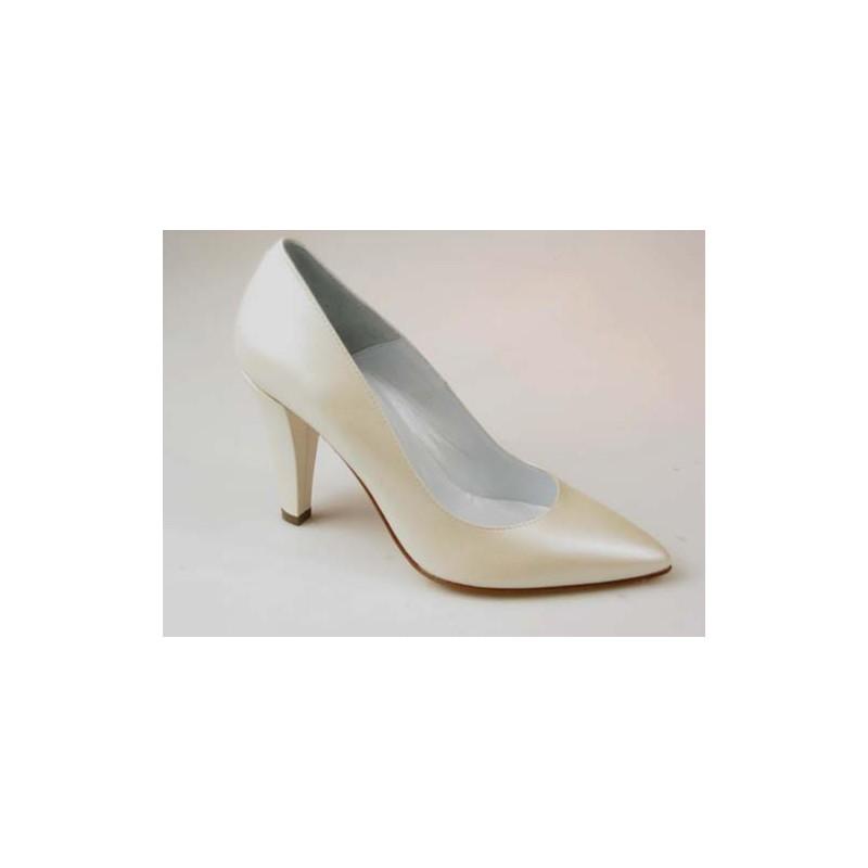 Escarpin pur femmes en cuir perlé ivoire talon 9 - Pointures disponibles:  31, 44, 46
