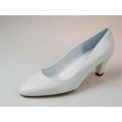Pump in white leather - Available sizes:  33, 35