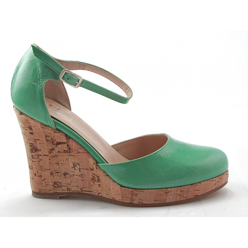 Open strapshoe with wedge in green patent leather - Available sizes:  42