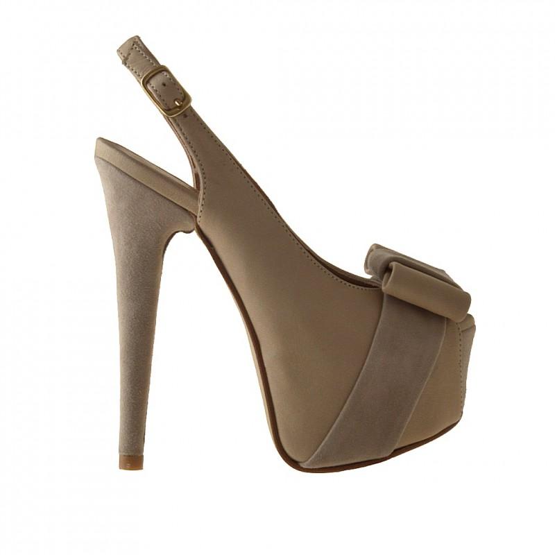 forme sandale en cuir beige et cuir beige - Pointures disponibles:  42