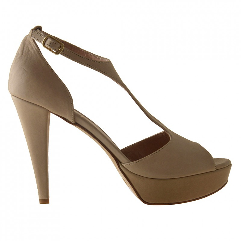 Open strapshoe with platform in beige leather - Available sizes: 42
