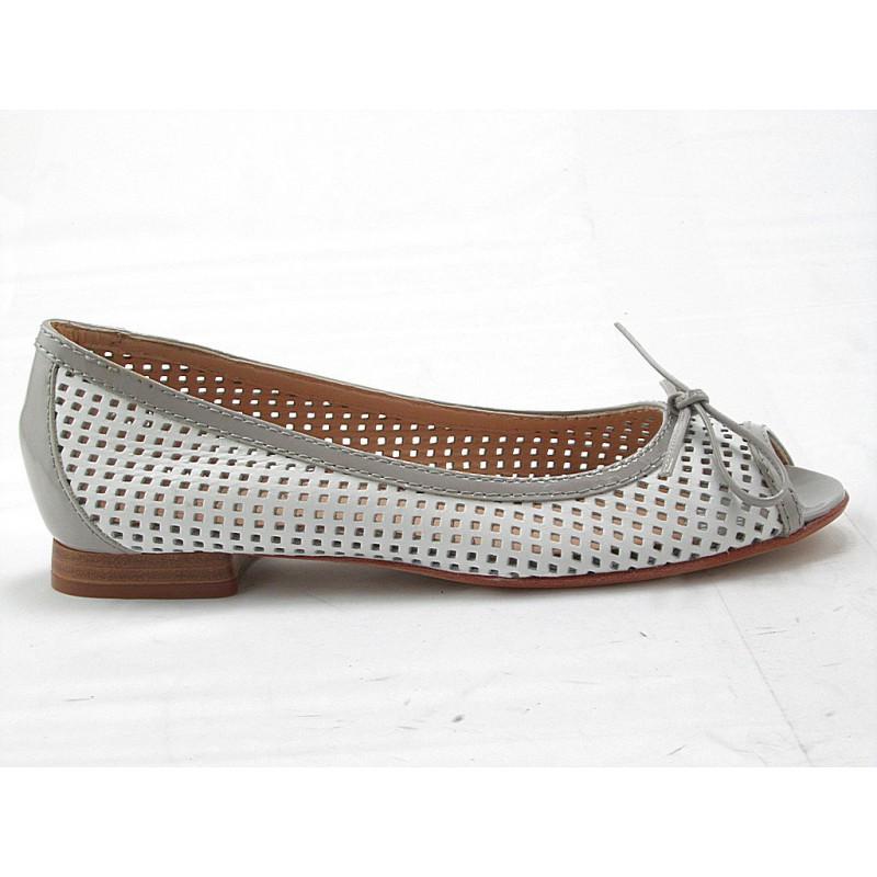 Chaussure à bout ouvert avec noeud en cuir perforé blanc et cuir verni gris talon 1 - Pointures disponibles:  32