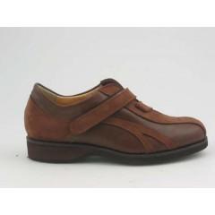 Scarpa sportiva da uomo con velcro in nabuk color cuoio e pelle marrone - Misure disponibili: 36, 37