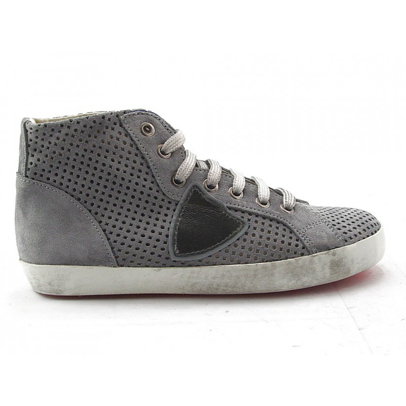 Highankle shoe with laces in pierced grey leather - Available sizes:  32