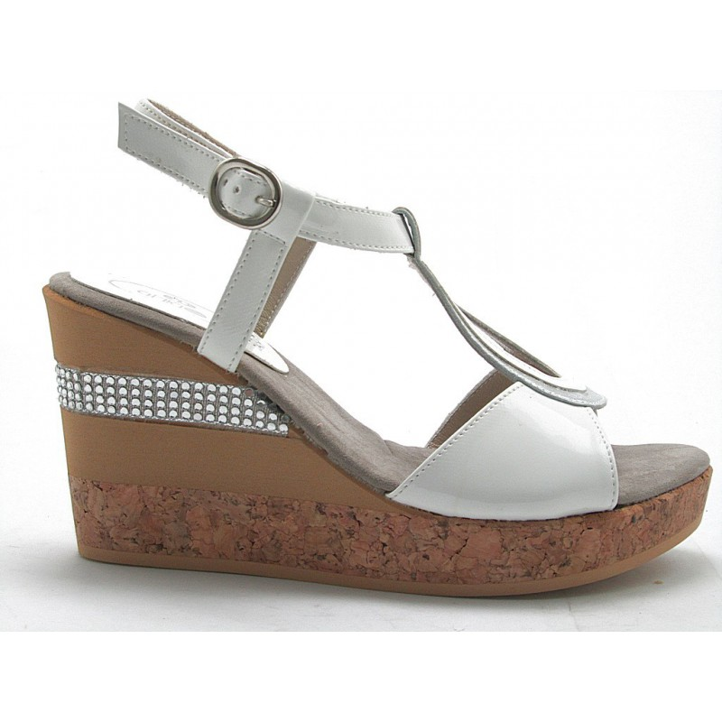 Sandal with cork wedge in white and silver patent leather - Available sizes: 42
