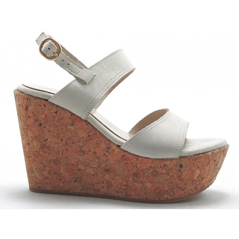 Sandalia de 2 Bandas con cuña de corcho en piel anbuk de color crema - Tallas disponibles:  42
