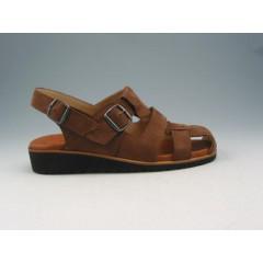 Sandalia con hebillas para hombres en piel nubuk marron - Tallas disponibles:  37