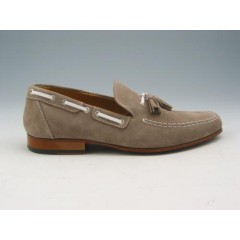 Men's mocassin with tassels in sandbeige suede - Available sizes:  37, 38, 39, 52