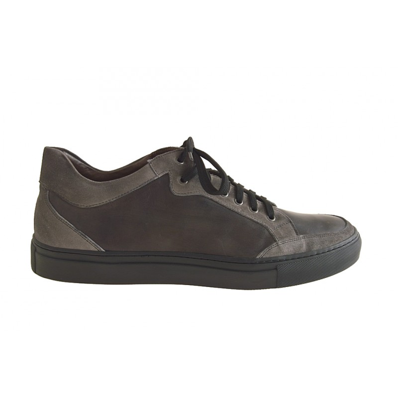 Men's sports shoe with laces in grey leather and suede - Available sizes:  47