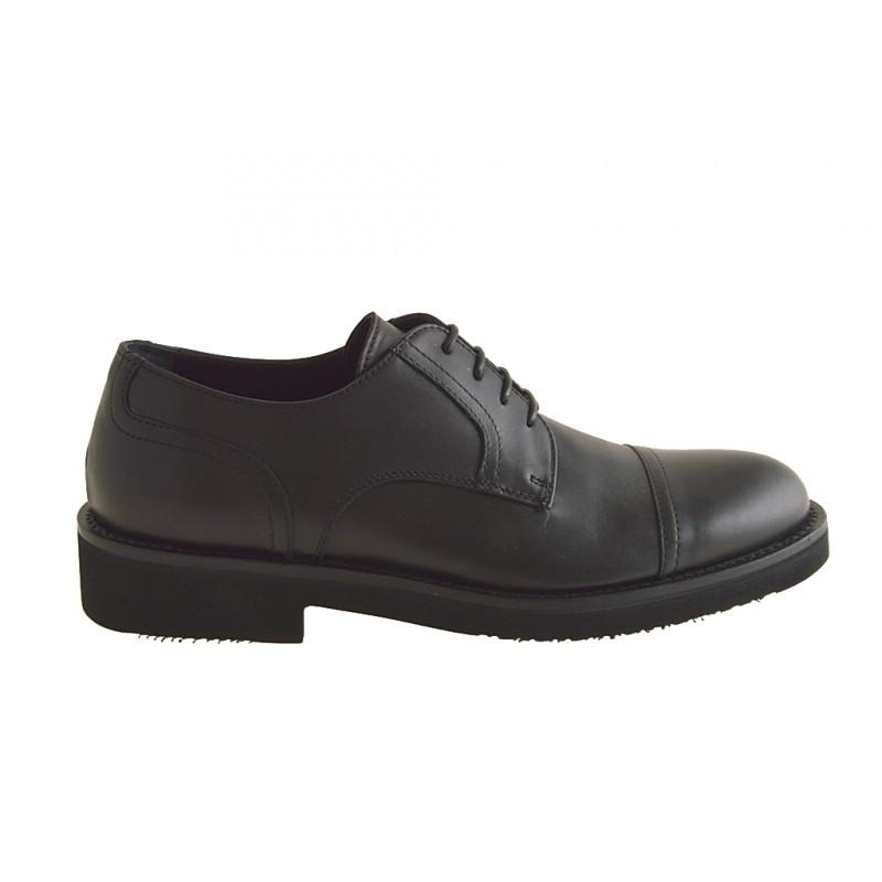 Zapatos cerrados con cordones y puntera para hombre en piel de color negro - Tallas disponibles:  51