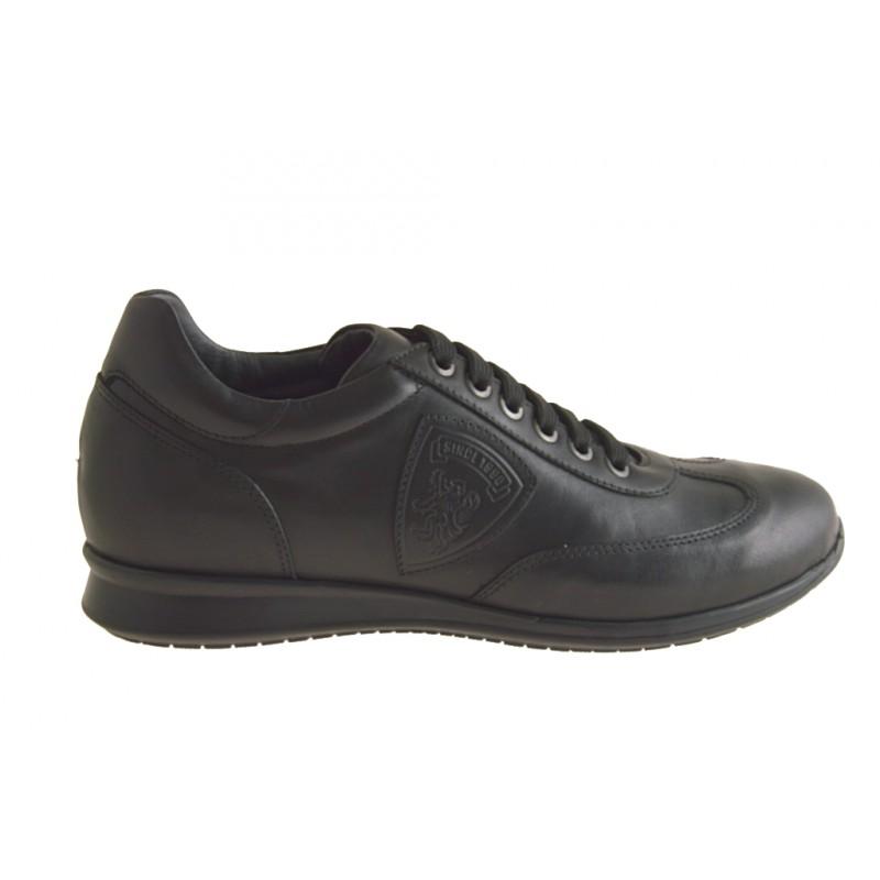 Sportlicher Herrenschuh mit Schnürsenkeln aus schwarzem Leder - Verfügbare Größen:  36
