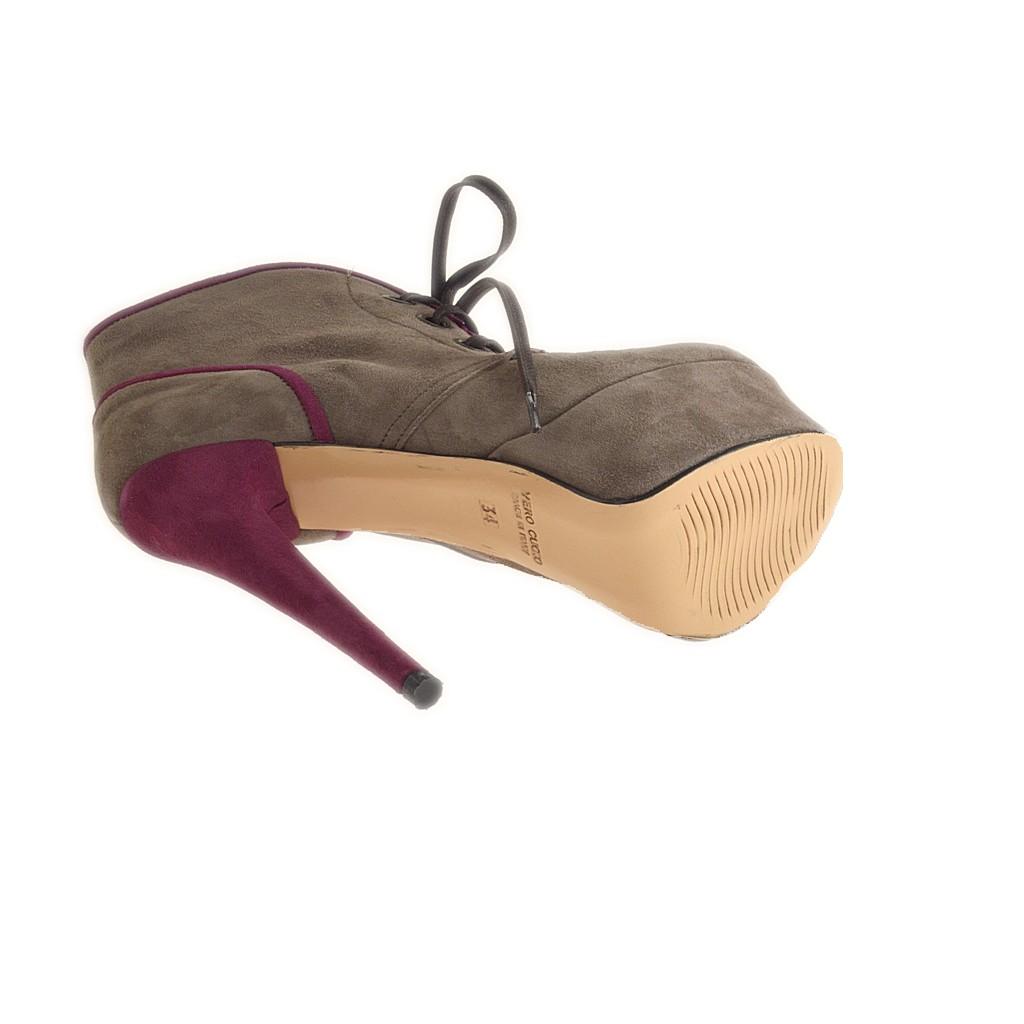 Stiefelette mit Schnürsenkel und mit Platform aus taupe