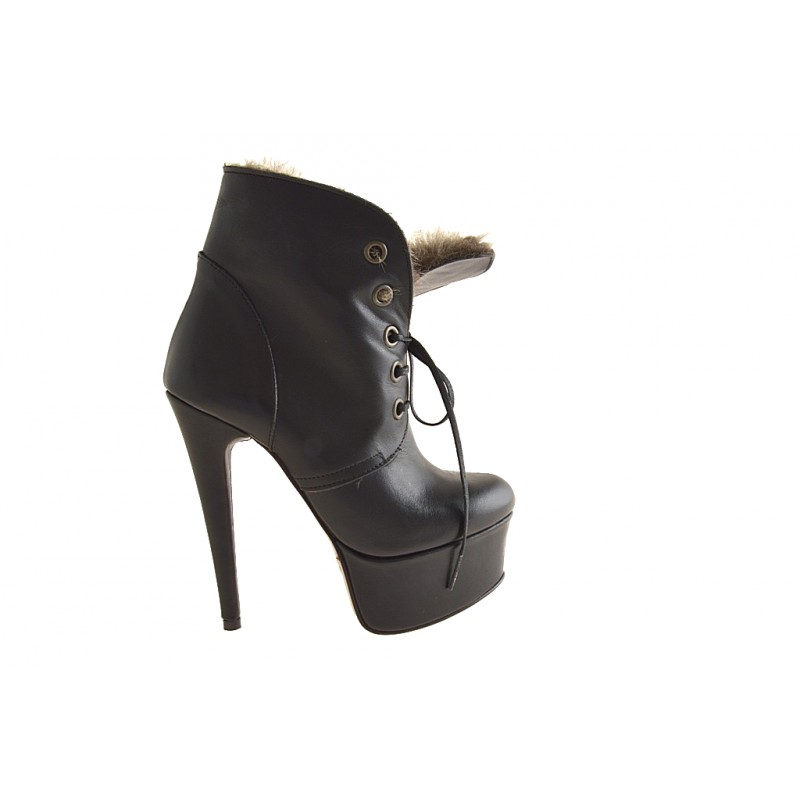Lace up ankle  boot with platform in black leather, fur - Available sizes:  42