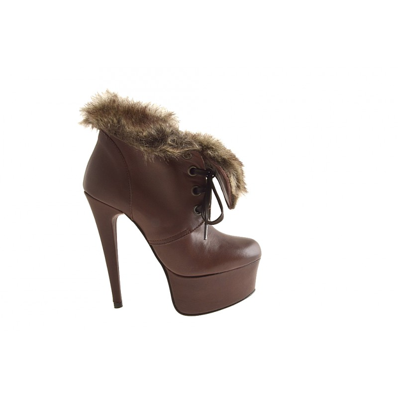 Lace up ankle boot with platform in brown leather, fur - Available sizes: 32, 42, 43