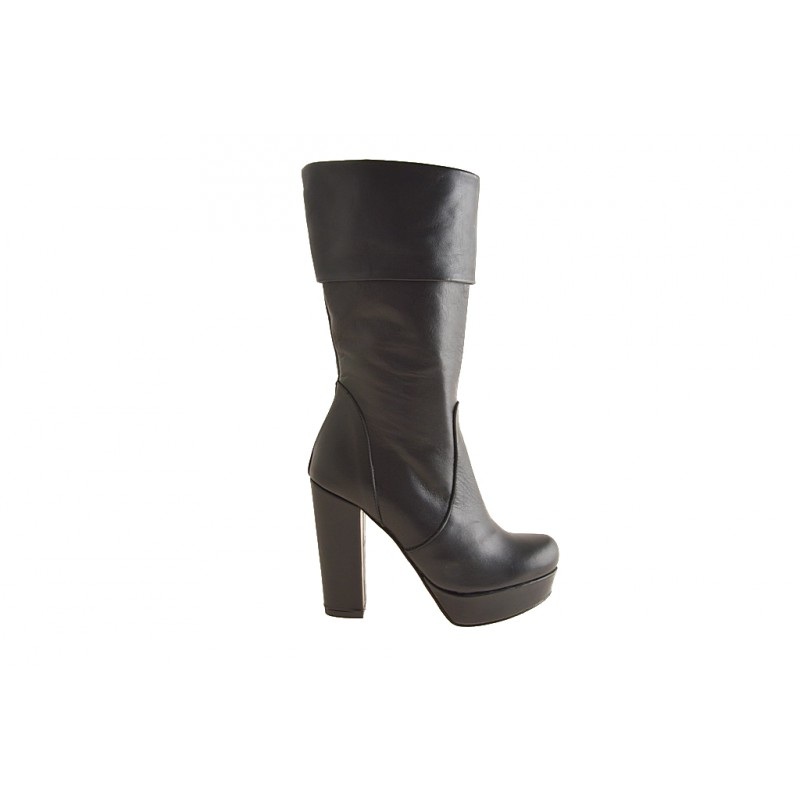 Woman's boot with zipper and platform in black leather heel 10 - Available sizes:  42