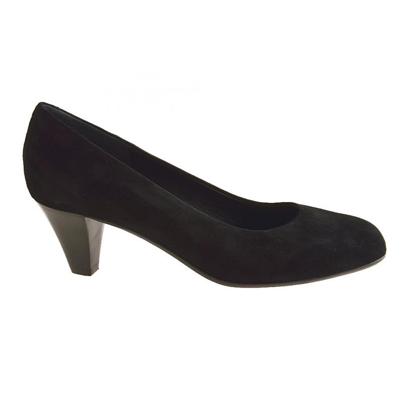 Pumps in black suede - Available sizes:  31