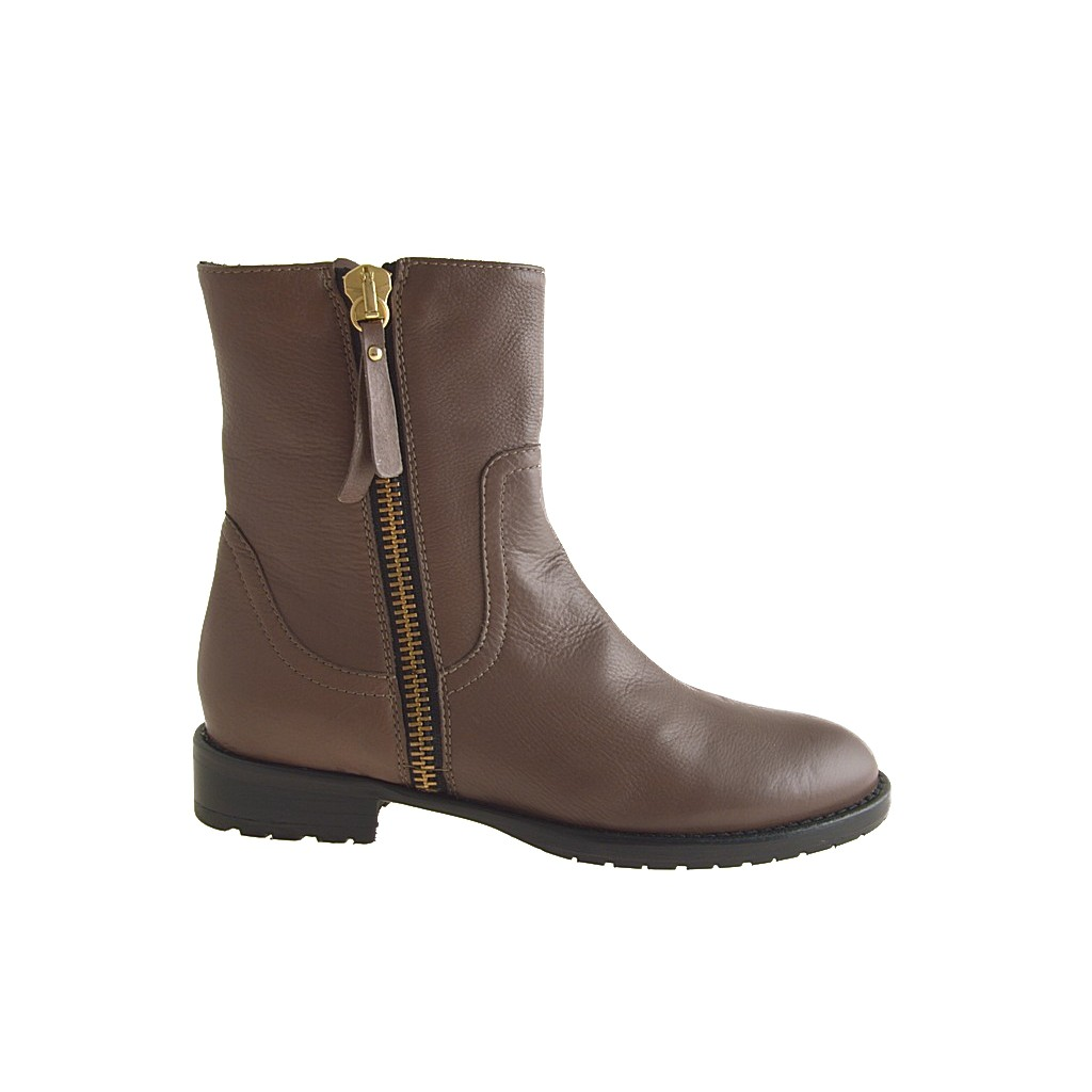 Small or large Brown leather ankle boot with zipper ...