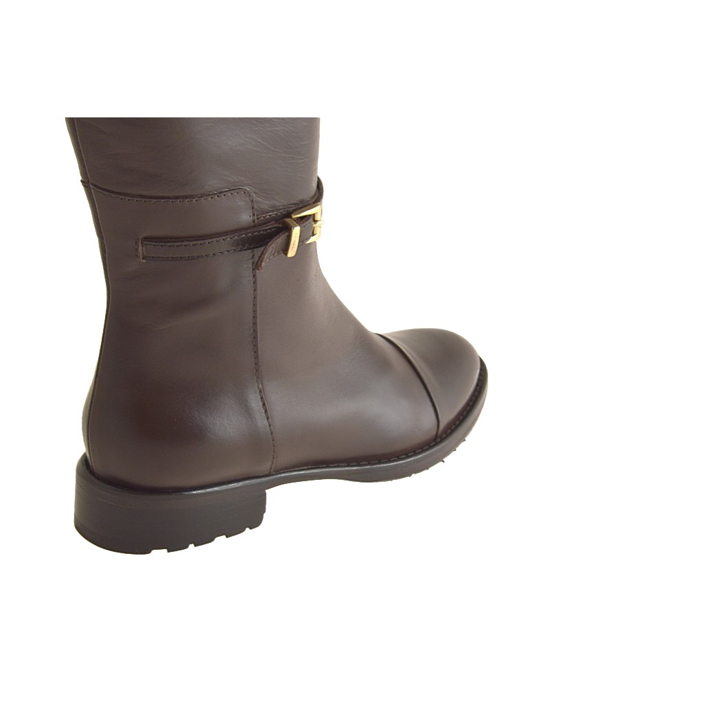 small or large boot with zipper in brown leather