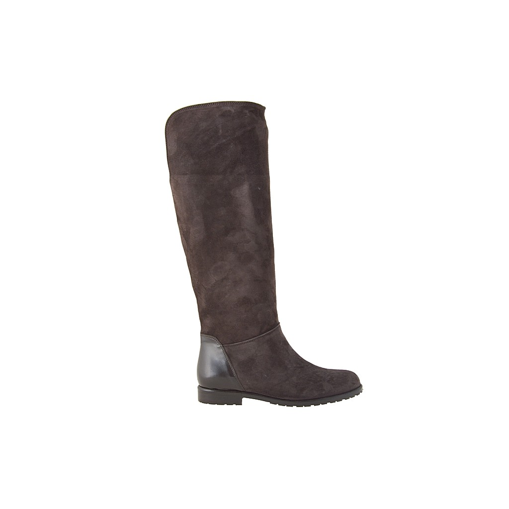 small or large boots with zipper in brown suede