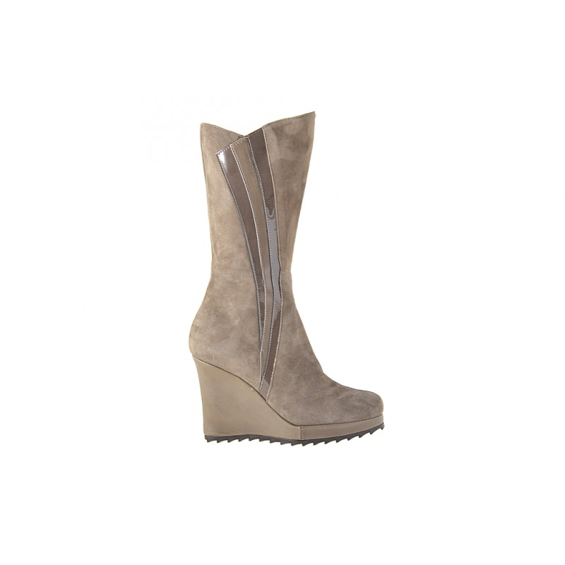 Woman's boot with zipper in taupe suede, patent leather and leather wedge heel 9 - Available sizes:  42
