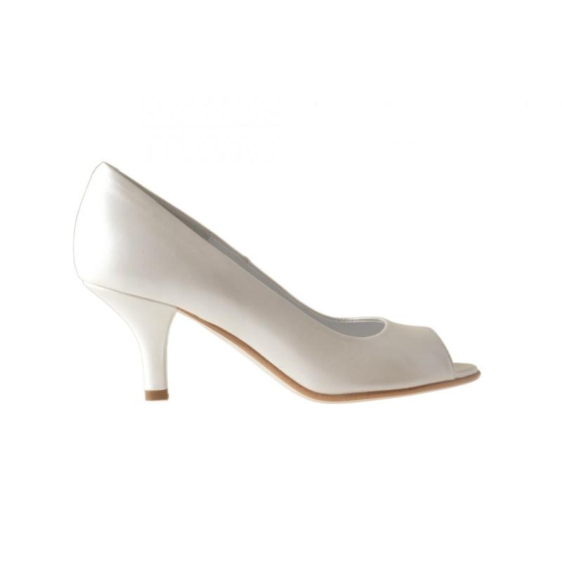 Escarpin à bout pointu en cuir ivoire perlé talon 6 - Pointures disponibles:  33