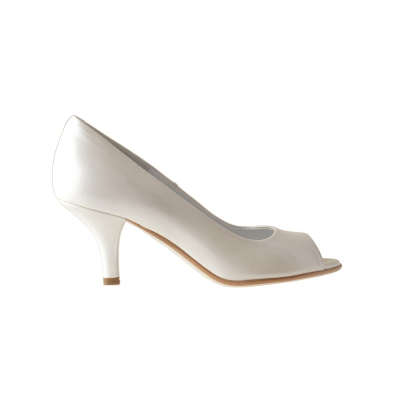 Open toe pump  in pearled ivory leather - Available sizes:  31, 33