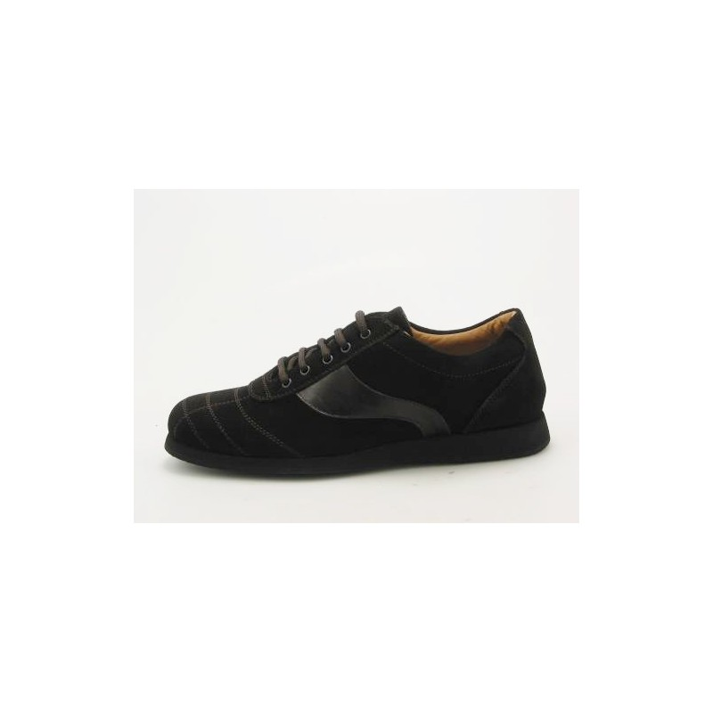Men's sportshoe with laces in dark brown suede - Available sizes:  36, 37, 38