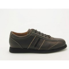 Men's sportshoe with laces in brown leather - Available sizes:  36