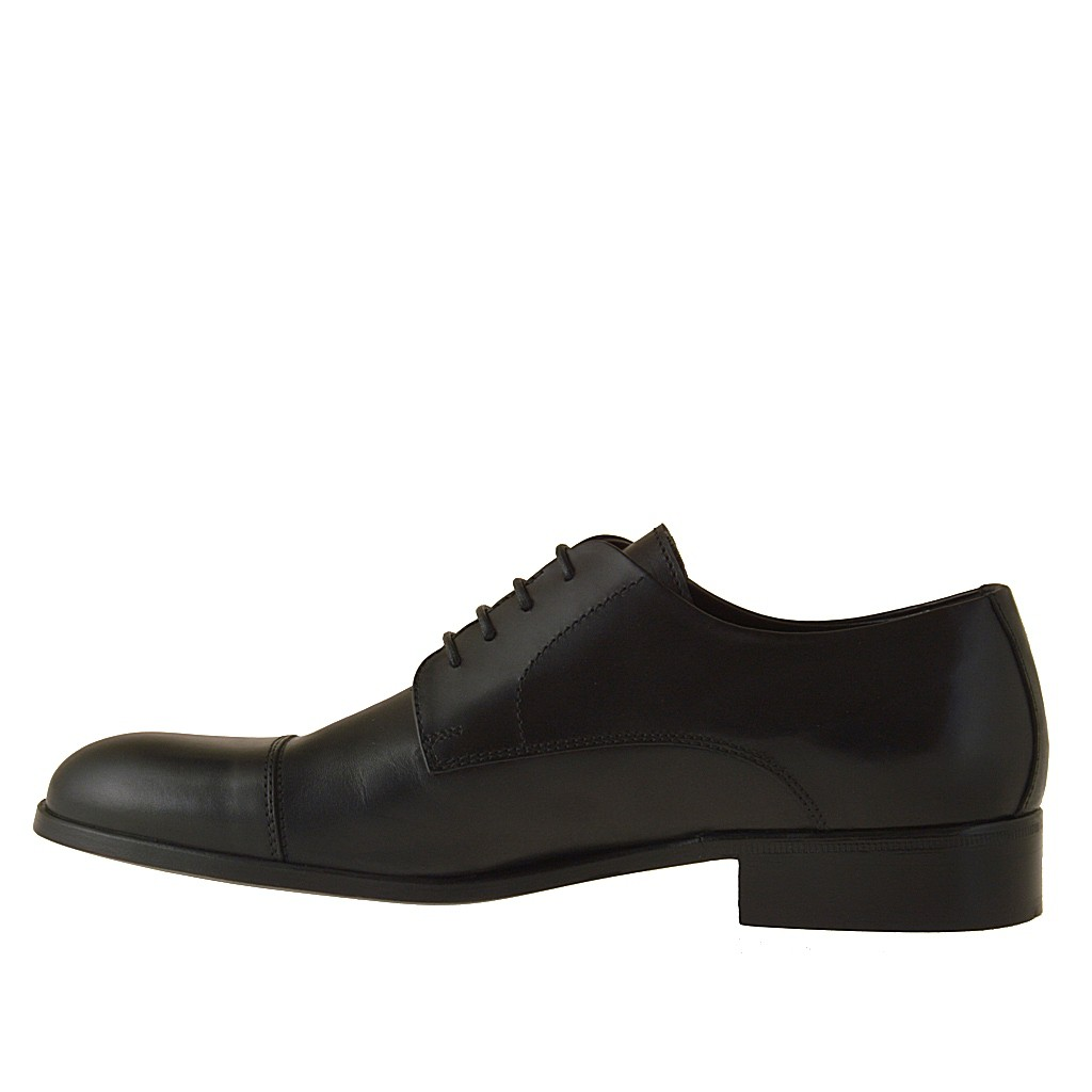 small or large lace up shoe in black leather ghigocalzature