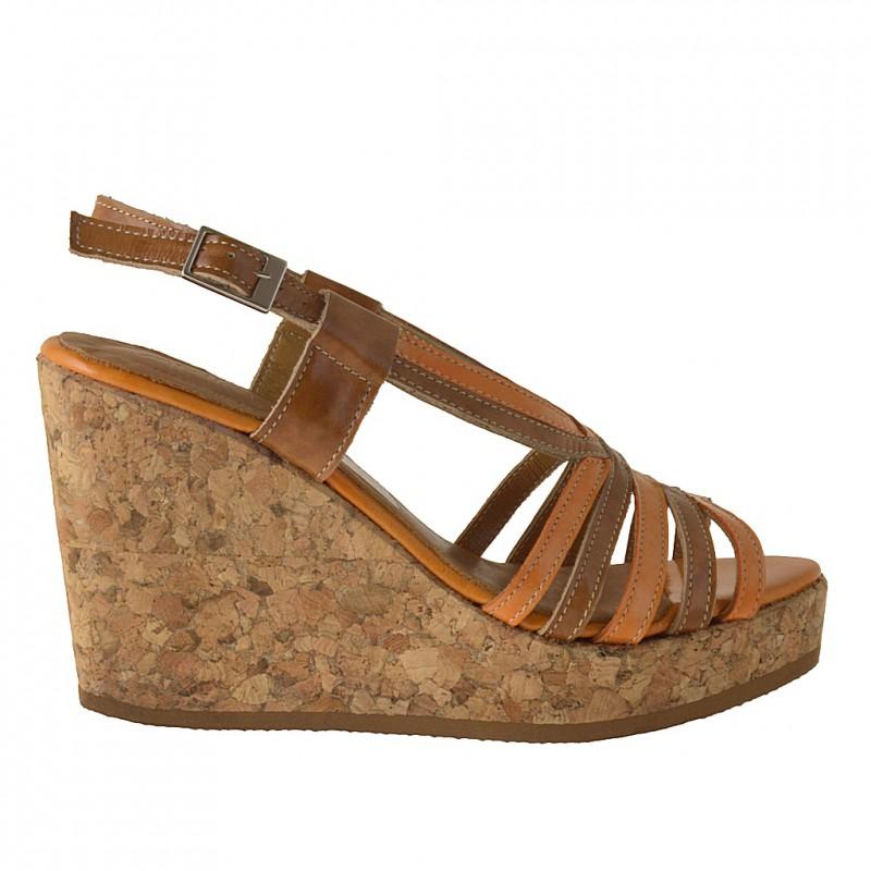 Sandale avec liège talon compensè en cuir verni brun clair et orange - Pointures disponibles:  42