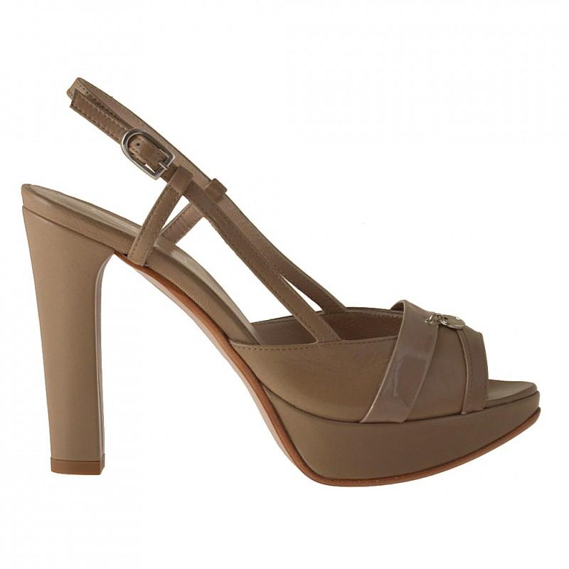 Slingback sandale avec plateforme en cuir et cuir verni beige foncé - Pointures disponibles:  42