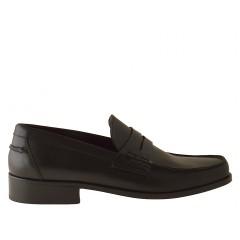 Mocasino en piel de color negro - Tallas disponibles:  38, 50