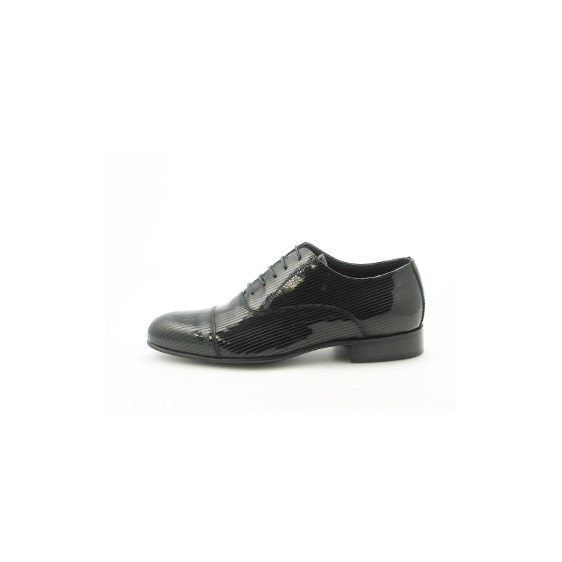 Men's laced oxford shoe with captoe in black patent leather - Available sizes:  36