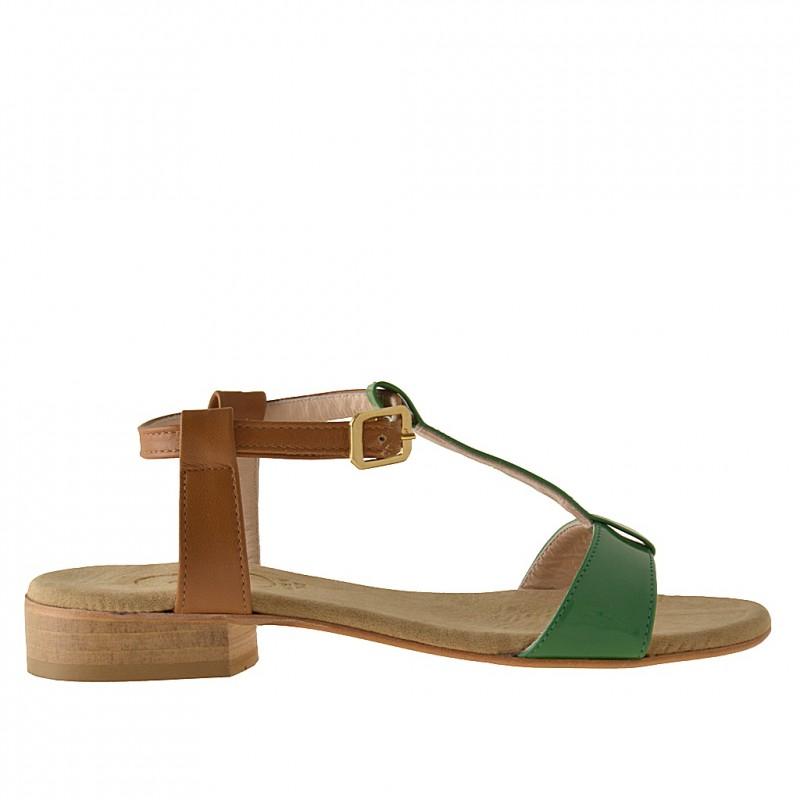 Sandale avec courroie en cuir brun clair et cuir verni vert talon 2 - Pointures disponibles:  31