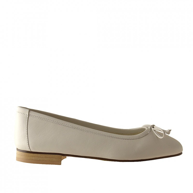 Woman's ballerina shoe with bow in ivory leather heel 1 - Available sizes:  32