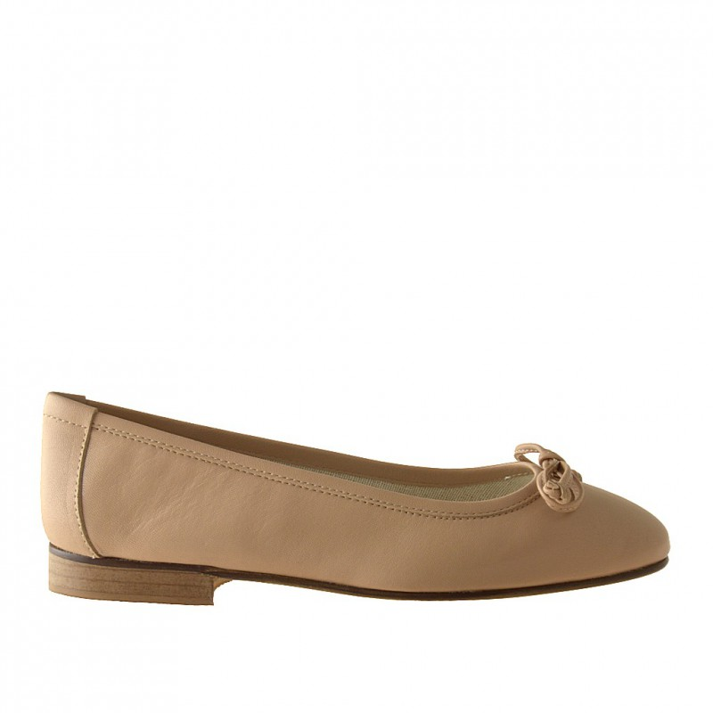 Ballerina in softly beige leather - Available sizes: 32