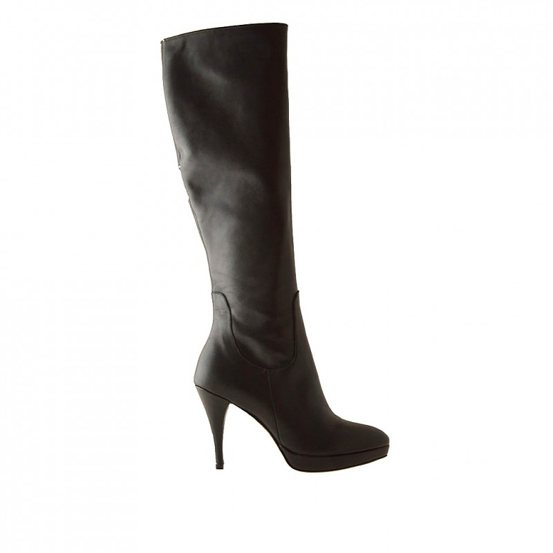 Woman boot with zipper and platform in black leather and with heel 10 - Available sizes:  42