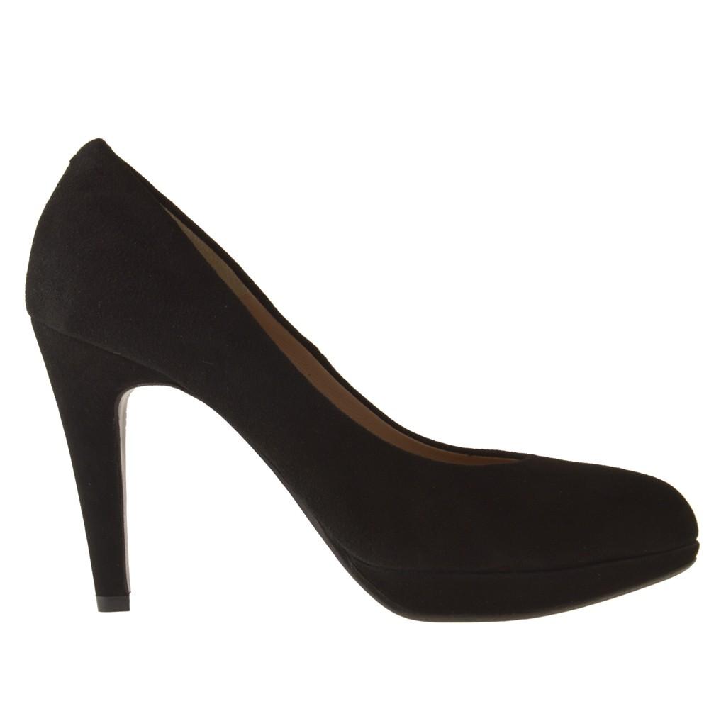 Scarpa da donna decoltè con plateau in pelle scamosciata colore nero